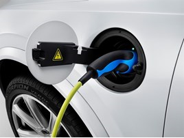 Carmakers clamour to promote electric car options in future models